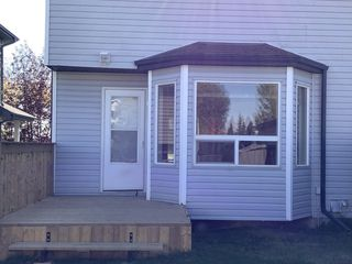 Photo 1: 166 Hemingway Road in Edmonton: House Half Duplex for rent