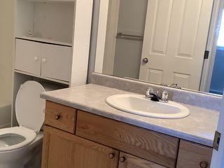 Photo 10: 166 Hemingway Road in Edmonton: House Half Duplex for rent