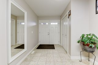 Photo 2: 2857 Maple Way NW in Edmonton: House for sale : MLS®# E4178246