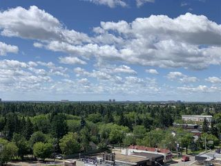 Photo 3: 805 14105 West Block Drive NW in Edmonton: Zone 11 Condo for sale : MLS®# E4190037