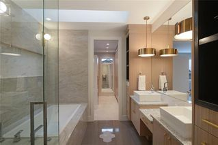 Photo 31: 2409 1 Avenue NW in Calgary: West Hillhurst Semi Detached for sale : MLS®# C4295458