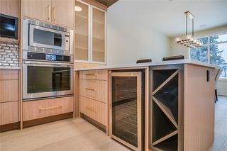 Photo 12: 2409 1 Avenue NW in Calgary: West Hillhurst Semi Detached for sale : MLS®# C4295458