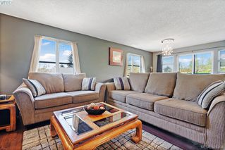 Photo 11: 305 908 Brock Ave in VICTORIA: La Langford Proper Row/Townhouse for sale (Langford)  : MLS®# 839718