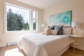 Photo 13: 402 2130 Sooke Rd in Colwood: Co Hatley Park Row/Townhouse for sale : MLS®# 842387