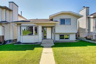 Main Photo: 2115 24 Avenue NE in Calgary: Vista Heights Detached for sale : MLS®# A1018217