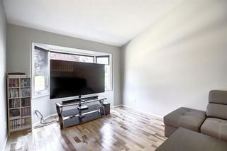 Photo 14: 2115 24 Avenue NE in Calgary: Vista Heights Detached for sale : MLS®# A1018217