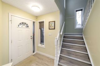 Photo 2: 50 WAKINA Drive in Edmonton: Zone 22 House for sale : MLS®# E4218290