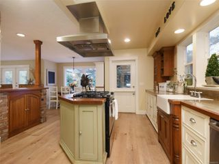 Photo 12: 1985 W Burnside Rd in : VR Prior Lake House for sale (View Royal)  : MLS®# 860770