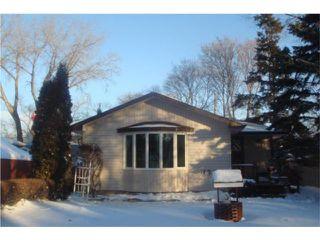Photo 1: 138 DANBURY Bay in WINNIPEG: Westwood / Crestview Residential for sale (West Winnipeg)  : MLS®# 1000490