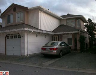 "Photo 2: 304 8260 162A Street in Surrey: Fleetwood Tynehead Townhouse for sale in ""FLEETWOOD MEADOWS"" : MLS®# F1003614"