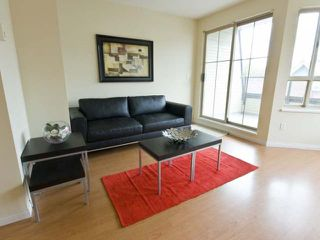 "Photo 3: 36 2375 W BROADWAY in Vancouver: Kitsilano Condo for sale in ""TALLESIN"" (Vancouver West)  : MLS®# V816733"
