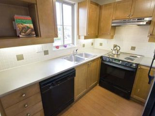 "Photo 5: 36 2375 W BROADWAY in Vancouver: Kitsilano Condo for sale in ""TALLESIN"" (Vancouver West)  : MLS®# V816733"