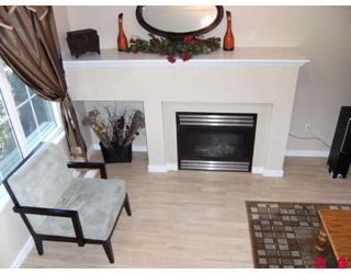 """Photo 2: 5 12778 66TH Avenue in Surrey: West Newton Townhouse for sale in """"HATHAWAY VILLAGE"""" : MLS®# F2831686"""