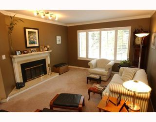 Photo 3: 967 CANYON Boulevard in North_Vancouver: Canyon Heights NV House for sale (North Vancouver)  : MLS®# V749305