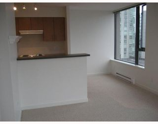 "Photo 8: 808 1295 RICHARDS Street in Vancouver: Downtown VW Condo for sale in ""OSCAR"" (Vancouver West)  : MLS®# V757058"