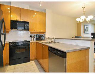 Photo 4: 408 2028 W 11TH Avenue in Vancouver: Kitsilano Condo for sale (Vancouver West)  : MLS®# V757545