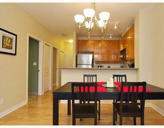 Photo 3: 408 2028 W 11TH Avenue in Vancouver: Kitsilano Condo for sale (Vancouver West)  : MLS®# V757545