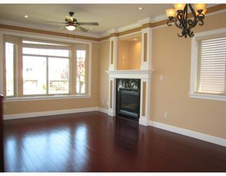 Photo 2: 250 E 56TH Avenue in Vancouver: South Vancouver House for sale (Vancouver East)  : MLS®# V765505