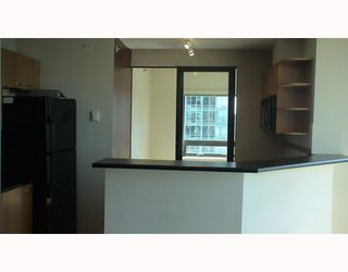"Photo 6: 2210 1331 ALBERNI Street in Vancouver: West End VW Condo for sale in ""THE LIONS"" (Vancouver West)  : MLS®# V767483"