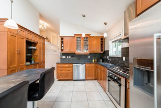 "Photo 4: 3858 BROCKTON Crescent in North Vancouver: Indian River House for sale in ""Indian River"" : MLS®# R2399956"
