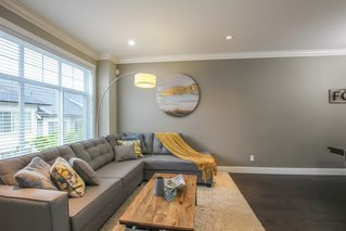 Photo 5: 108 13670 62 Avenue in Surrey: Sullivan Station Townhouse for sale : MLS®# R2460747