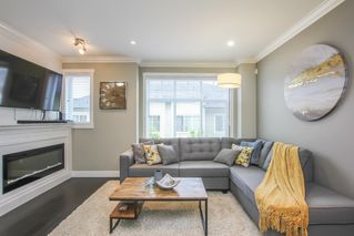 Photo 2: 108 13670 62 Avenue in Surrey: Sullivan Station Townhouse for sale : MLS®# R2460747