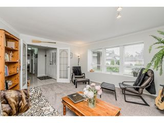 """Photo 5: 4861 208A Street in Langley: Langley City House for sale in """"Newlands"""" : MLS®# R2467992"""