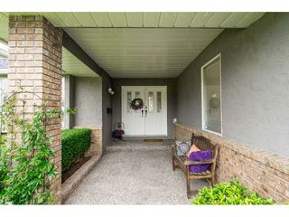 """Photo 2: 4861 208A Street in Langley: Langley City House for sale in """"Newlands"""" : MLS®# R2467992"""