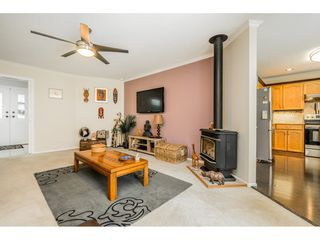 """Photo 7: 4861 208A Street in Langley: Langley City House for sale in """"Newlands"""" : MLS®# R2467992"""
