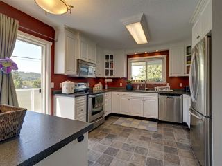 "Photo 2: 6345 ORACLE Road in Sechelt: Sechelt District House for sale in ""West Sechelt"" (Sunshine Coast)  : MLS®# R2468248"