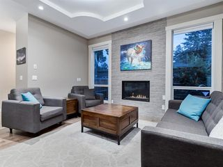 Photo 11: 419 18 Avenue NW in Calgary: Mount Pleasant Semi Detached for sale : MLS®# A1022384