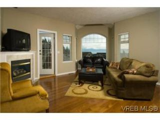 Photo 5: 3556 Sun Hills in VICTORIA: La Walfred House for sale (Langford)  : MLS®# 527139