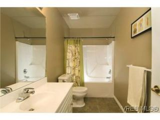 Photo 11: 3556 Sun Hills in VICTORIA: La Walfred House for sale (Langford)  : MLS®# 527139