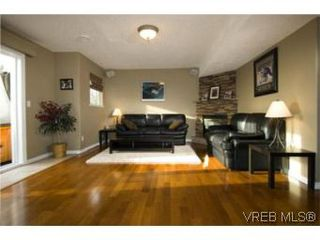 Photo 9: 3556 Sun Hills in VICTORIA: La Walfred House for sale (Langford)  : MLS®# 527139