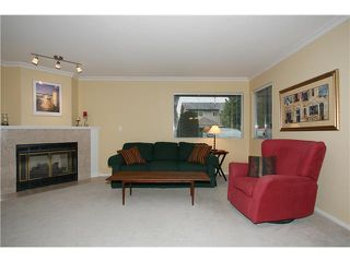 "Photo 2: 12 8540 BLUNDELL Road in Richmond: Garden City Townhouse for sale in ""CATALINA COURT"" : MLS®# V853733"