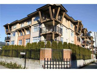 "Photo 2: 214 500 KLAHANIE Drive in Port Moody: Port Moody Centre Condo for sale in ""TIDES"" : MLS®# V867577"