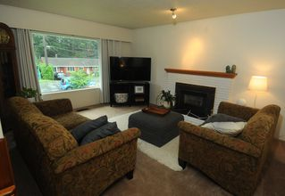 Photo 5: 2599 LAURALYNN Drive in North Vancouver: Westlynn House for sale : MLS®# R2407806