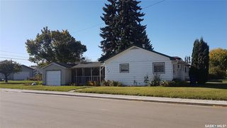 Photo 1: 398 6th Avenue East in Unity: Residential for sale : MLS®# SK831161