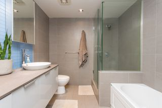 """Photo 11: 2602 108 W CORDOVA Street in Vancouver: Downtown VW Condo for sale in """"Woodwards"""" (Vancouver West)  : MLS®# R2513949"""