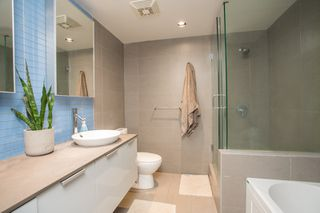 """Photo 10: 2602 108 W CORDOVA Street in Vancouver: Downtown VW Condo for sale in """"Woodwards"""" (Vancouver West)  : MLS®# R2513949"""