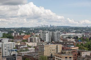 """Photo 24: 2602 108 W CORDOVA Street in Vancouver: Downtown VW Condo for sale in """"Woodwards"""" (Vancouver West)  : MLS®# R2513949"""