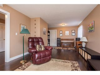 """Photo 7: 2395 MOUNTAIN Drive in Abbotsford: Abbotsford East House for sale in """"Mountain Village"""" : MLS®# R2517927"""