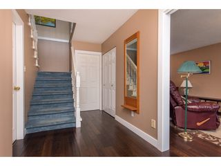 """Photo 5: 2395 MOUNTAIN Drive in Abbotsford: Abbotsford East House for sale in """"Mountain Village"""" : MLS®# R2517927"""