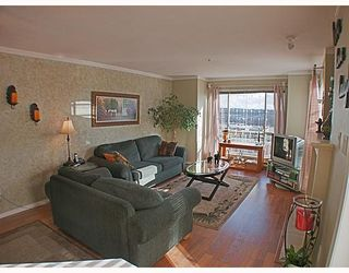 Photo 4: 404 624 AGNES Street in New_Westminster: Downtown NW Condo for sale (New Westminster)  : MLS®# V751563