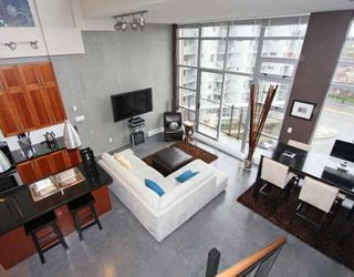 "Photo 1: 605 2635 PRINCE EDWARD Street in Vancouver: Mount Pleasant VE Condo for sale in ""SOMA LOFTS"" (Vancouver East)  : MLS®# V761642"
