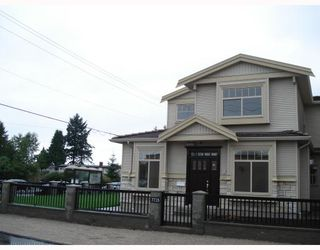 Photo 3: 7715 WEDGEWOOD Street in Burnaby: Burnaby Lake House 1/2 Duplex for sale (Burnaby South)  : MLS®# V776716