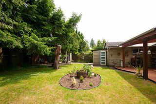 Photo 13: 1210 PINEWOOD Crescent in North Vancouver: Norgate House for sale : MLS®# R2388703