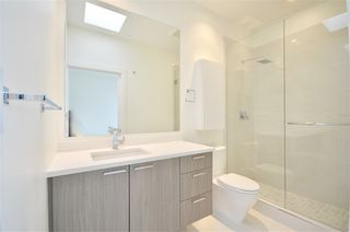 """Photo 5: PH1 3420 ST CATHERINES Street in Vancouver: Fraser VE Condo for sale in """"KENSINGTON views"""" (Vancouver East)  : MLS®# R2406272"""