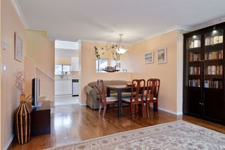 """Photo 4: 16 4325 SOPHIA Street in Vancouver: Main Townhouse for sale in """"WELTON COURT"""" (Vancouver East)  : MLS®# R2428330"""