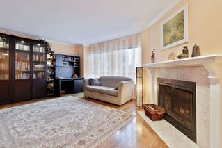 """Photo 3: 16 4325 SOPHIA Street in Vancouver: Main Townhouse for sale in """"WELTON COURT"""" (Vancouver East)  : MLS®# R2428330"""